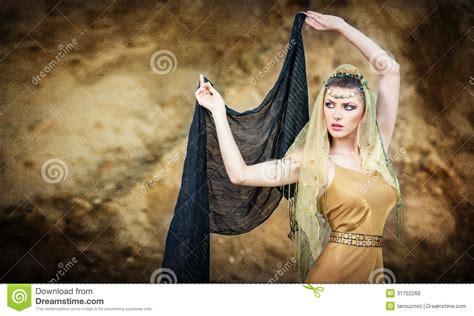 imagenes mujeres arabes con velo bailarina de la danza del vientre de la mujer con velo