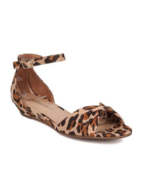 Sandal Leopard peep toe breckelles hk40 faux suede leopard open toe