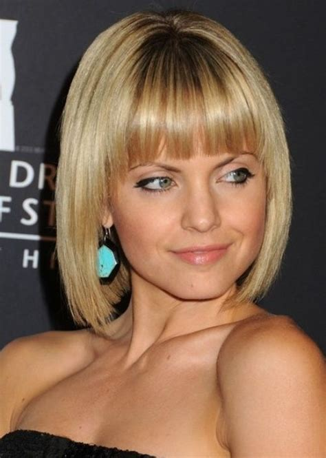 best bob haircut for large jaw big forehead hairstyles and blunt bangs on pinterest