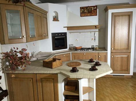 cucine finta muratura scavolini cucina belvedere con penisola scavolini scontata 70