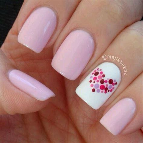 easy nail art heart pink hearts super cute and looks pretty easy nails