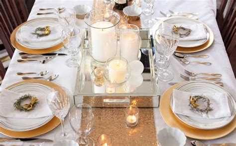 how to set up a table wedding decor 300 gold and 200 silver chargers 200 gold