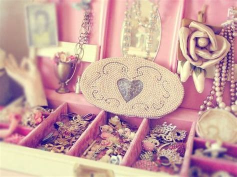 girly jewelry wallpaper girly girl tumblr cute girly jewelery pearls