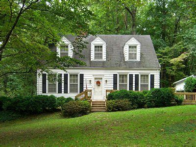 colonial cape cod house colonial cape cod home house love pinterest