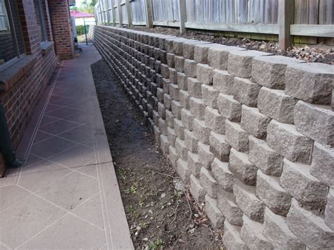 concrete block retaining wall www imgkid com the image kid has it