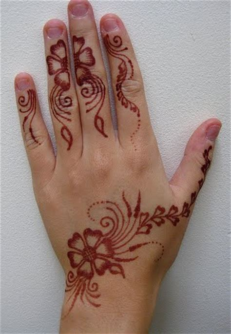 henna design hand beginners pakistan cricket player easy henna design