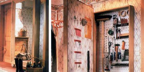 costruire un armadietto armadietto in legno attrezzato per gli utensili