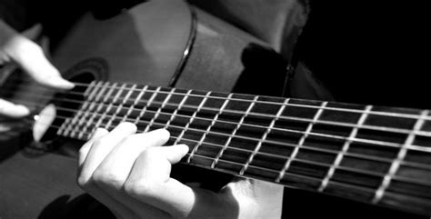 belajar kunci gitar otodidak tips belajar gitar fingersty artikel musik indie