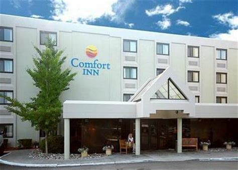 comfort inn rhode island comfort inn airport warwick warwick deals see hotel