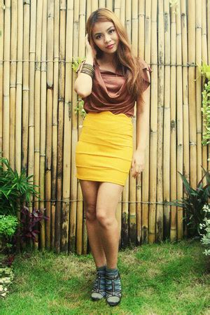 Liana Skirt Brown mustard skirt how to wear and where to buy page 18