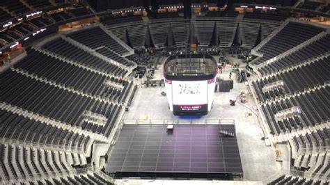 traffic gets mixed reviews at new t mobile arena ksnv
