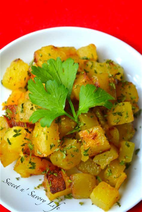 garlic cilantro baked home fries tasty kitchen a