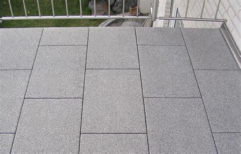 Balkon Bodenbelag Holz 335 by Bel 228 Ge Eubu Dach Und Fassade