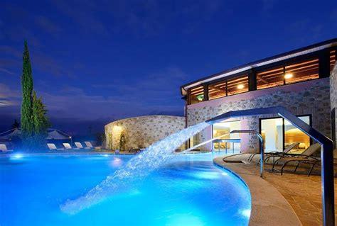hotel con in umbria borgobrufa spa resort hotel torgiano provincia di