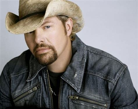 toby keith education toby keith to headline muskegon summer celebration music