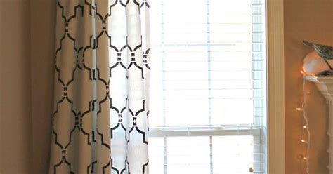 do curtains have to match do this with the curtains to match the dining room wall