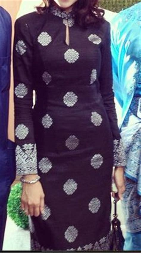 Baju Gypsi Top Ays kurung kedah designed by radzuan radziwill traditional costume baju