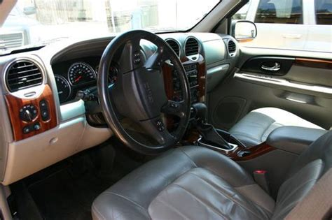 how cars engines work 2004 gmc envoy interior lighting purchase used 2004 gmc envoy xl rare v8 5 3l 3rd row heated seats new engine 1yr warranty in