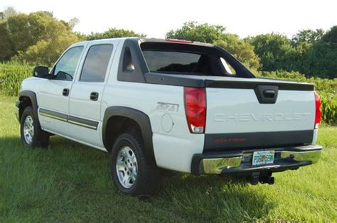 buy used 2004 chevrolet avalanche 1500 lt z71 4x4 crew find used 2004 chevy avalanch lt z71 4x4 perfect carfax sarasota florida truck in sarasota