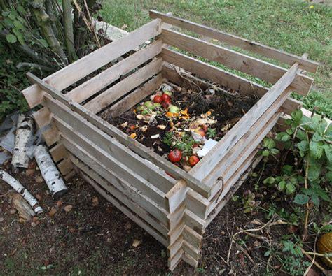 composteur de jardin le composteur dans mon jardin simple 233 conomique et bien pratique