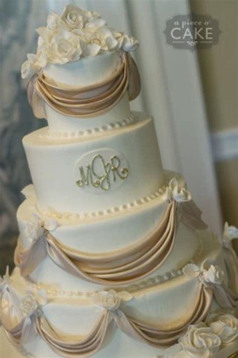 Monogram Wedding Cake by Hochzeitstorten Hochzeitstorte Mit Monogramm 2068791