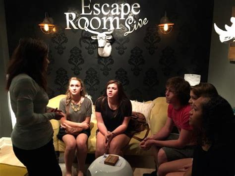 escape the room live practicing with the in the lobby picture of escape room live washington dc tripadvisor