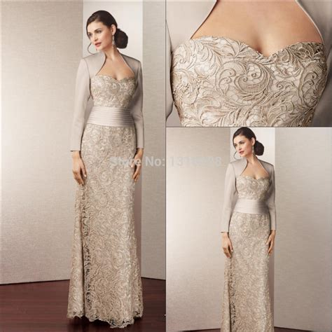 country style of the groom dresses the royal style satin sleeve lace gown of the
