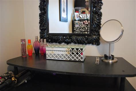blue ribbon studio my makeup desk