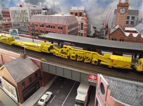gauge track renewal train set  wlnxtrvs  modern