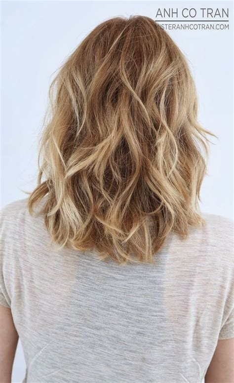 hairstyles that go past the shoulders 18 shoulder length layered hairstyles medium hair
