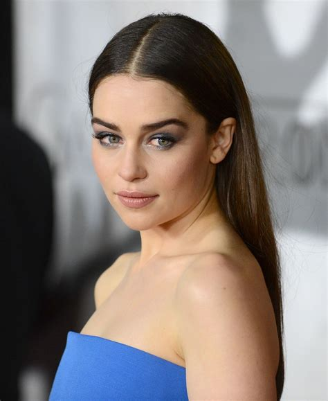 emilia clark how to copy the suuuper sexy makeup game of thrones star