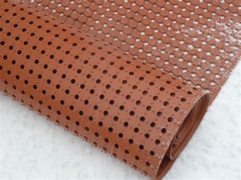 workshop anti fatigue perforated rubber custom mat acid