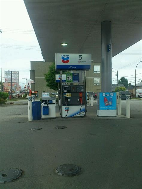 chevron canada limited gas service stations 5252