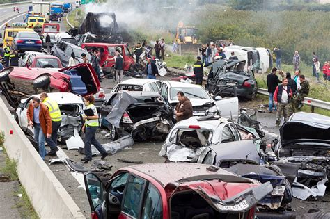 car accidents deaths pics determing liability in a multi vehicle wreck de lachica