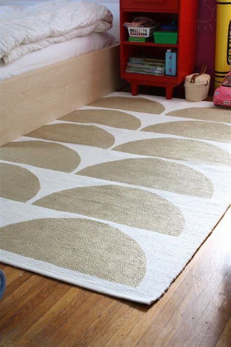 paint a rug diy 25 best ideas about paint a rug on painting rugs paint rug and diy rugs