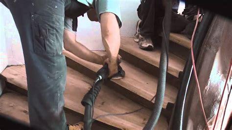 Holzwurm In Treppe by Treppe Abschleifen Und Renovieren
