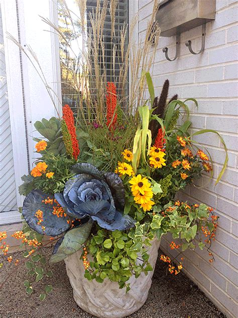 Great Fall Flower Pot Mixing Grasses Perennials And Fall Fall Flower Garden Ideas