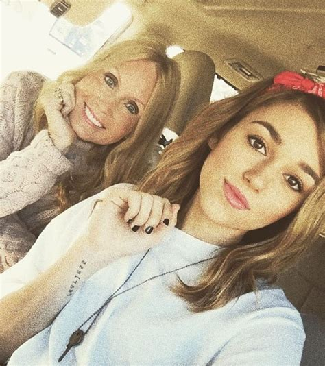 sadie robertson makeup sadie robertson day out in the town with this pretty