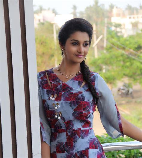 actress priya bhavani shankar actress priya bhavani shankar photoshoot tamilnext