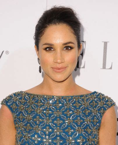 9 Best Meghan Markle Hairstyles (Wedding Hair, Hair Down & Updos)