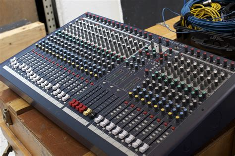 Mixer Soundcraft Spirit Lx7 24 Cnl mixer soundcraft lx7 24 channel 5700000 padil celluler