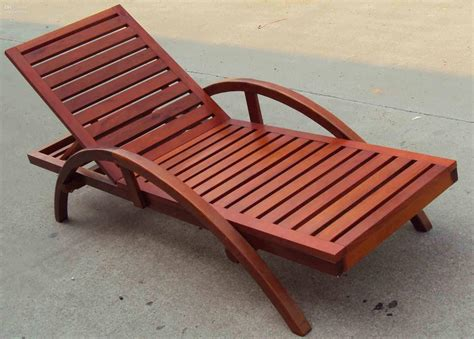 best outdoor chair for bad back lounge chairs folding portable lounge chair