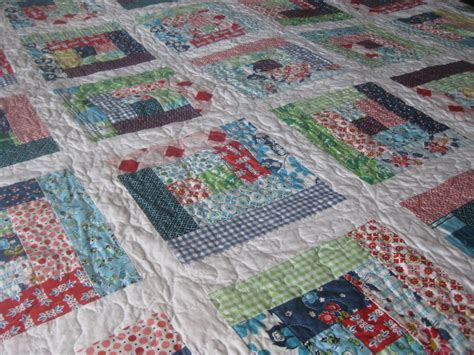 log cabin quilt quilt squares and triangles