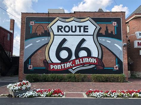 route  shield mural pontiac