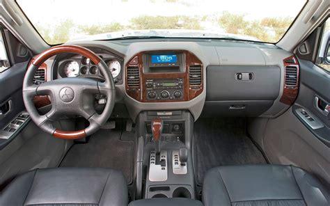 car maintenance manuals 2006 mitsubishi pajero interior lighting mitsubishi montero pajero suv redesign delayed phev possible