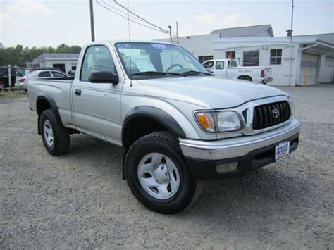 Used Toyota Tacoma 4x4 Sell Used 2004 Toyota Tacoma Sr5 4x4 5 Speed In East
