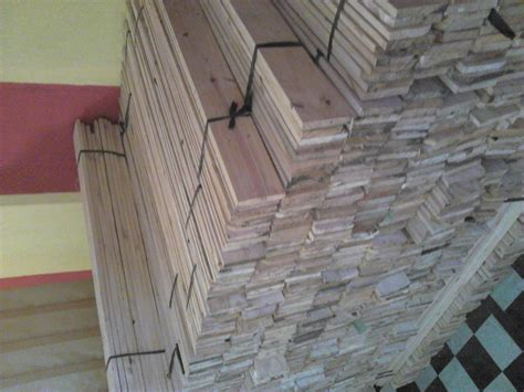 Lemari Kayu Pinus jual kayu distributor di surabaya supplier eksportir