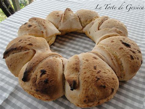 pane fatto in casa con lievito madre ciambella di pane fiore con lievito madre le ricette