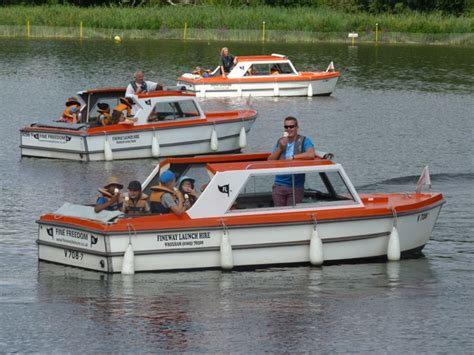 cheap boats norfolk broads holidays norfolk broads day boat hire richardson s day boat hire