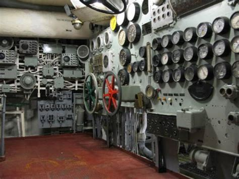 engine room forward flight deck picture of patriots point naval maritime museum mount pleasant